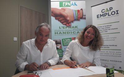 Signature d'une convention de partenariat entre l'EPNAK Oissel et Cap Emploi 27